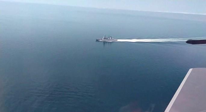 Nga cảnh báo sẵn sàng ném bom tàu chiến xâm nhập lãnh hải - Ảnh 1.