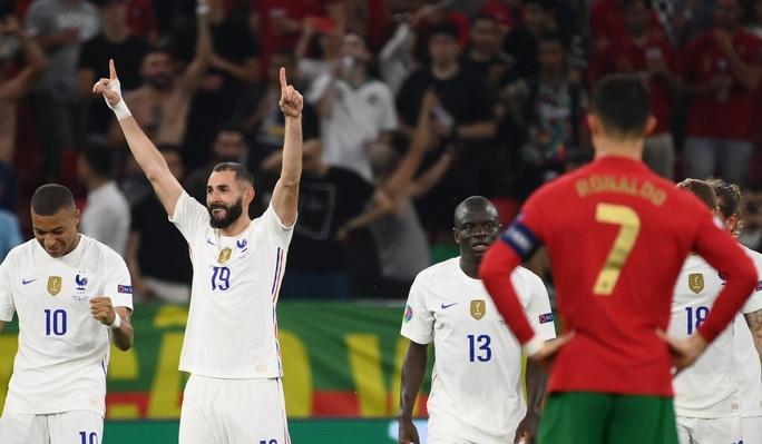 Ronaldo lập 3 kỷ lục giúp Bồ Đào Nha vào vòng 1/8 Euro 2020 chạm trán tuyển Bỉ - Ảnh 5.