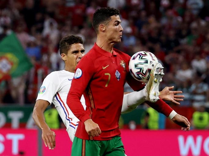 Ronaldo lập 3 kỷ lục giúp Bồ Đào Nha vào vòng 1/8 Euro 2020 chạm trán tuyển Bỉ - Ảnh 6.
