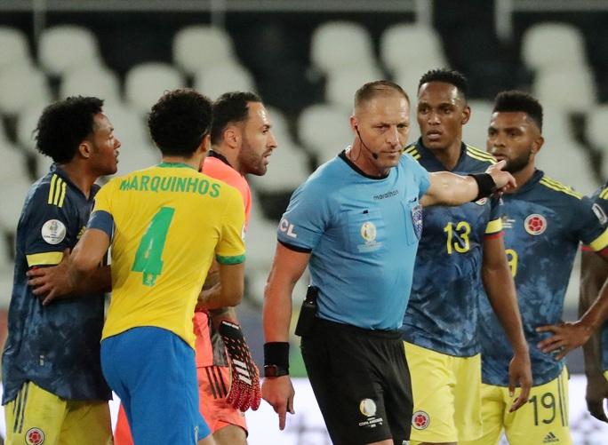 Ngược dòng nghẹt thở hạ Colombia, Brazil giành vé tứ kết Copa America - Ảnh 5.
