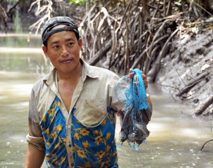 Trải nghiệm thú vị ở rừng ngập mặn lớn nhất Việt Nam - Ảnh 7.