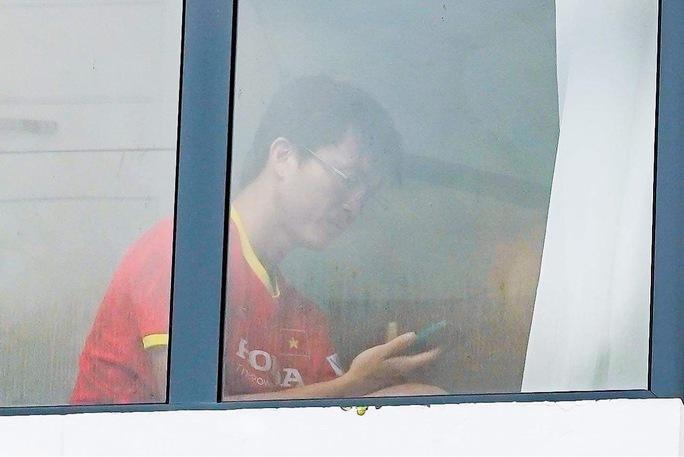 Đội tuyển Việt Nam xin ở lại khách sạn thêm 7 ngày thay vì về nhà - Ảnh 1.