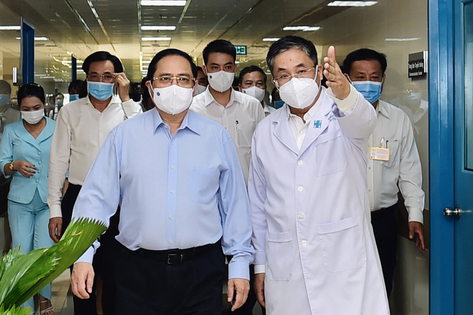 Thủ tướng Phạm Minh Chính kiểm tra công tác phòng chống dịch Covid-19 ở TP HCM - Ảnh 1.