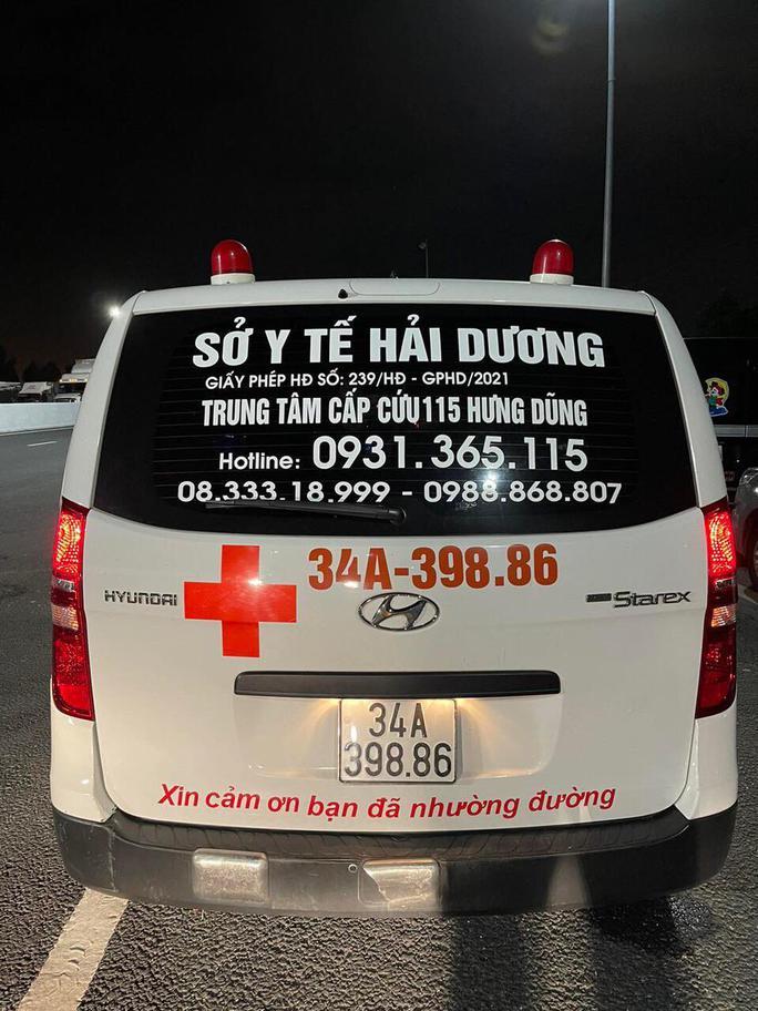 Thuê xe cứu thương, giả bệnh nhân để thông chốt khai báo y tế - Ảnh 1.