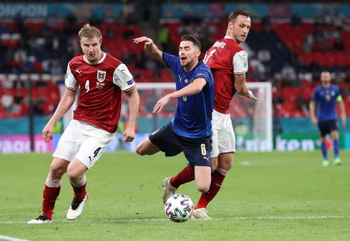 Tuyển Ý vào tứ kết Euro 2020 nhờ hai siêu phẩm bàn thắng - Ảnh 2.