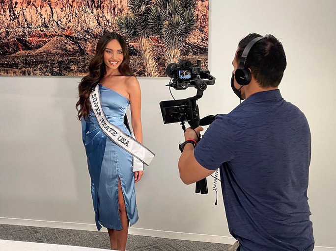 Chân dung người đẹp chuyển giới đầu tiên thi Hoa hậu Mỹ 2021 - Ảnh 1.