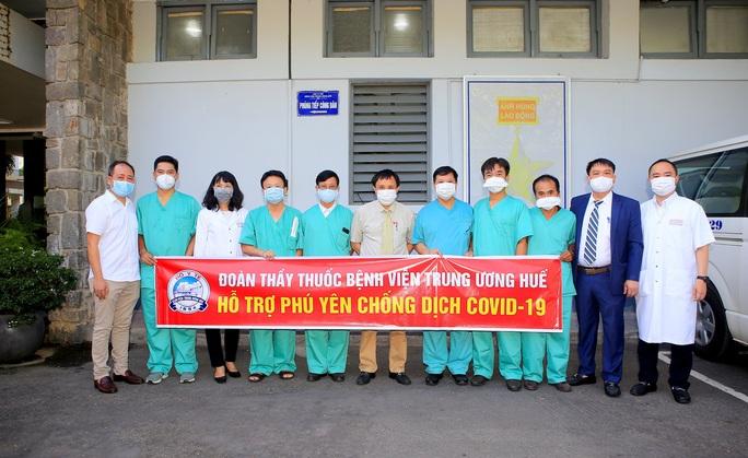Y, bác sĩ Bệnh viện Trung ương Huế chi viện Phú Yên chống dịch Covid-19 - Ảnh 1.