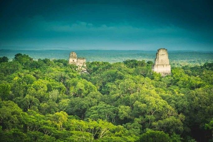 Sốc với bóng ma như thời hiện đại giữa thành phố cổ 3.000 năm - Ảnh 2.