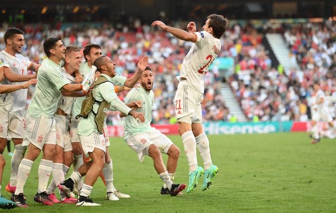 Rượt đuổi tỉ số kịch tính, Tây Ban Nha ngược dòng thắng ngoạn mục Croatia - Ảnh 10.