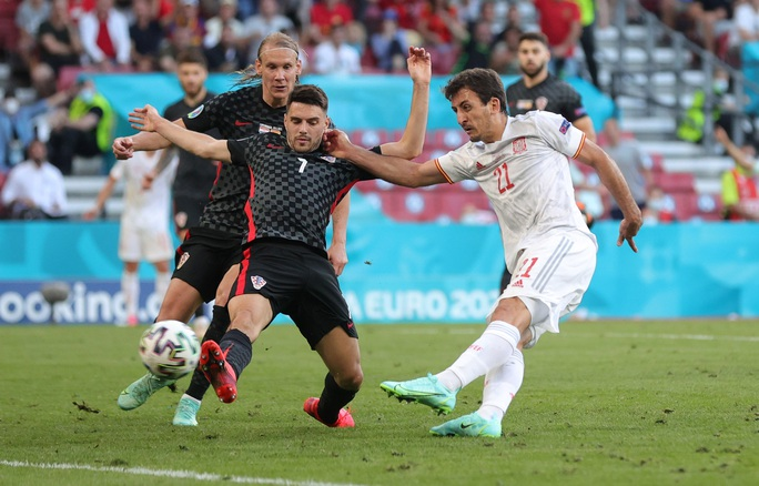 Rượt đuổi tỉ số kịch tính, Tây Ban Nha ngược dòng thắng ngoạn mục Croatia - Ảnh 3.