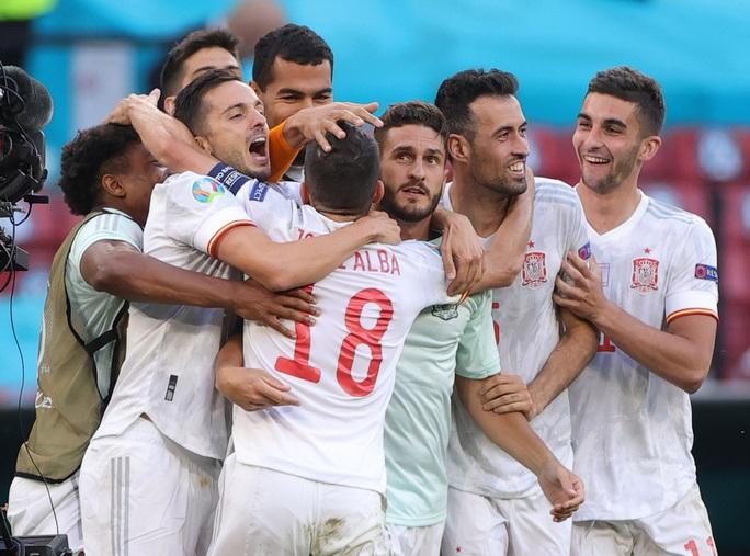 Rượt đuổi tỉ số kịch tính, Tây Ban Nha ngược dòng thắng ngoạn mục Croatia - Ảnh 8.