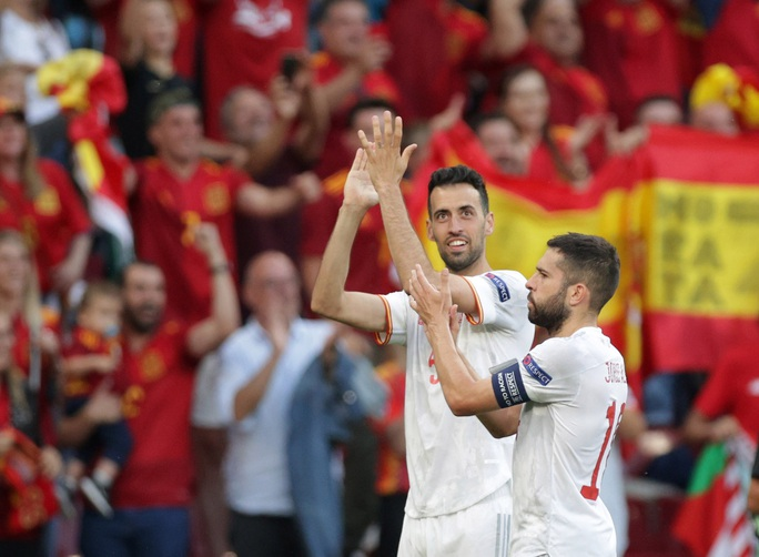 Rượt đuổi tỉ số kịch tính, Tây Ban Nha ngược dòng thắng ngoạn mục Croatia - Ảnh 9.