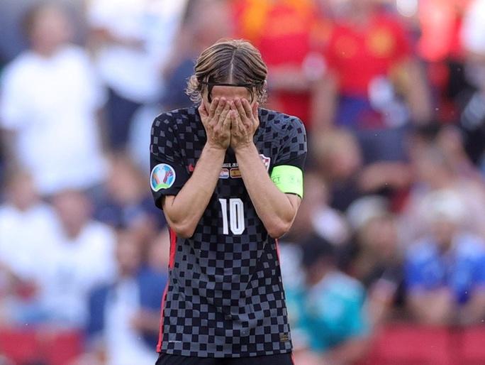 Rượt đuổi tỉ số kịch tính, Tây Ban Nha ngược dòng thắng ngoạn mục Croatia - Ảnh 4.