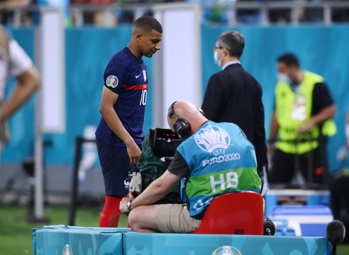 Mbappe sút hỏng luân lưu, Pháp ngậm ngùi chia tay Euro - Ảnh 6.
