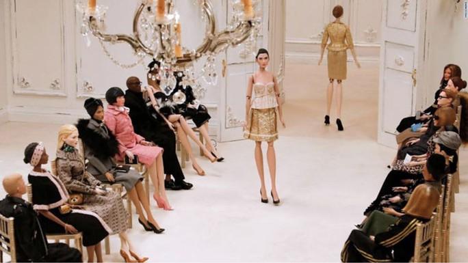 Ngành công nghiệp thời trang tự cứu - Ảnh 1.