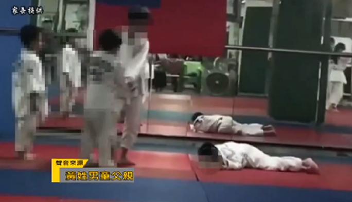 Bị thầy và đồng môn vật 27 lần, võ sinh judo tử vong - Ảnh 4.