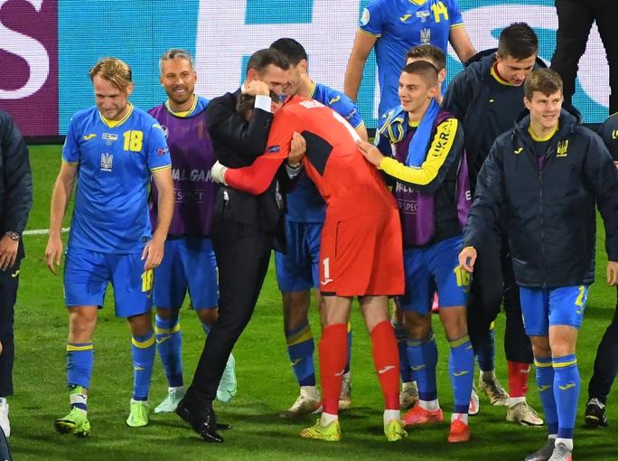 Thắng Thụy Điển, Ukraina chạm trán Anh tại tứ kết Euro 2020 - Ảnh 5.