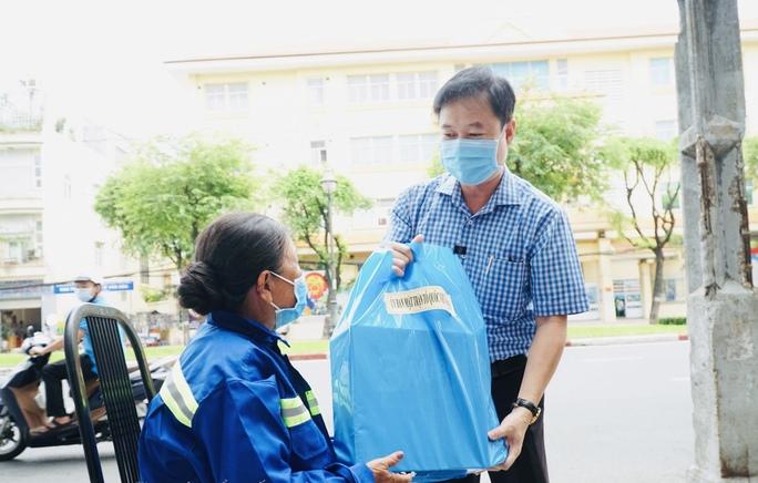 Sự thật thông tin chuỗi lây nhiễm SARS-CoV-2 có các tiểu thương ở chợ Kim Biên - Ảnh 1.