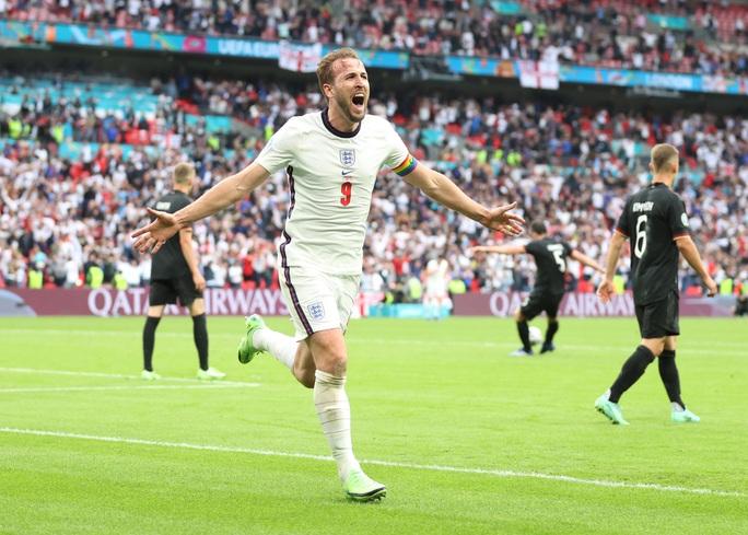 Sterling và Kane bùng nổ, tuyển Anh tiễn chân người Đức về nước - Ảnh 7.
