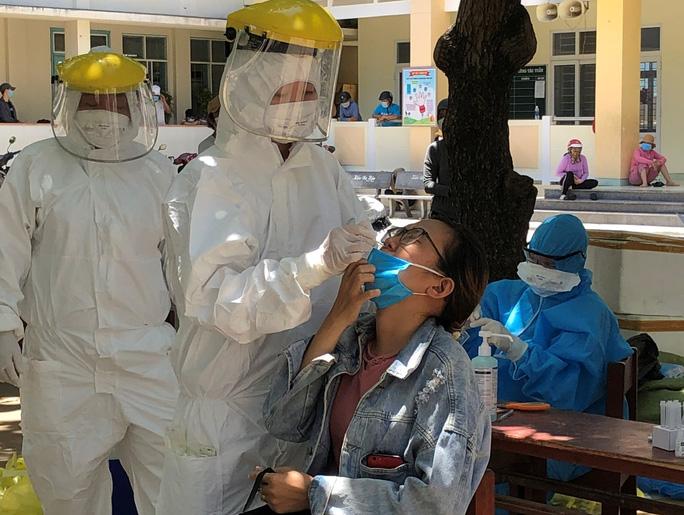 Sáng 30-6, Quảng Ngãi tiếp tục ghi nhận 8 ca dương tính với SARS-CoV-2 - Ảnh 1.