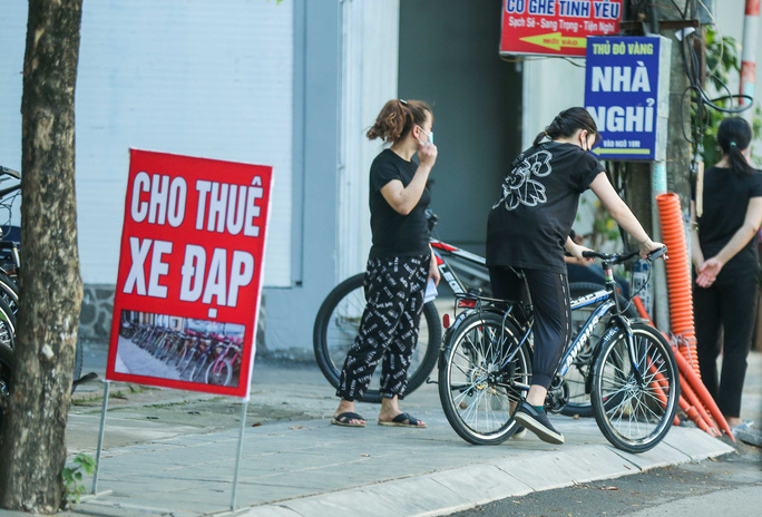 CLIP: Dịch vụ cho thuê xe đạp ở hồ Tây kiếm tiền triệu mỗi ngày - Ảnh 9.