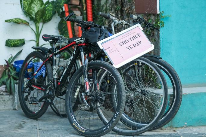 CLIP: Dịch vụ cho thuê xe đạp ở hồ Tây kiếm tiền triệu mỗi ngày - Ảnh 8.