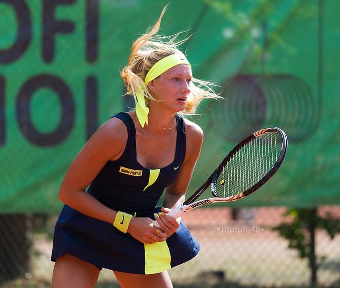 Tay vợt nữ xinh đẹp bị bắt giữ vì cáo buộc bán độ - Ảnh 1.