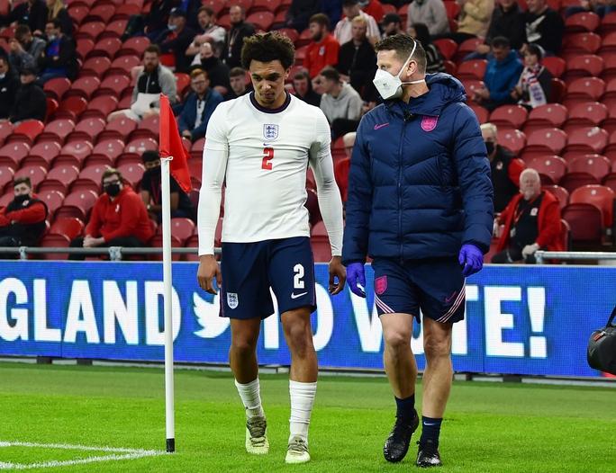 Sao tuyển Anh chấn thương, Lingard và Ward Prowse chờ tin thay thế - Ảnh 1.