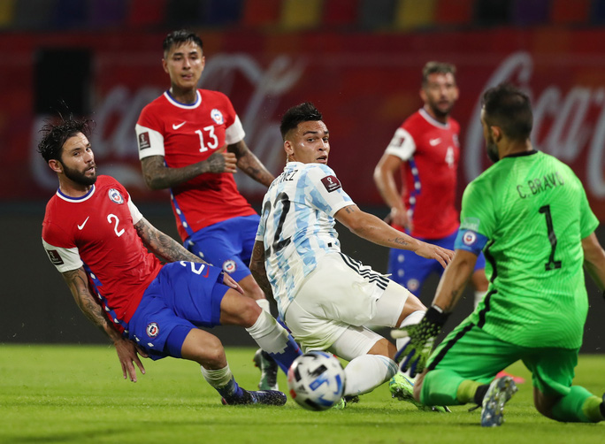 Vòng loại World Cup 2022 khu vực Nam Mỹ: Argentina không thể soán ngôi Brazil - Ảnh 1.