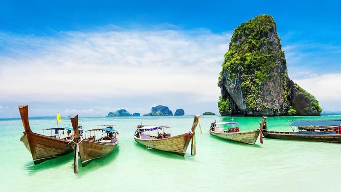 Phuket hấp dẫn du khách với chiến dịch 1 USD 1 đêm - Ảnh 1.