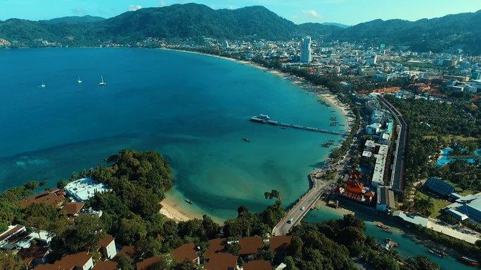 Phuket hấp dẫn du khách với chiến dịch 1 USD 1 đêm - Ảnh 2.