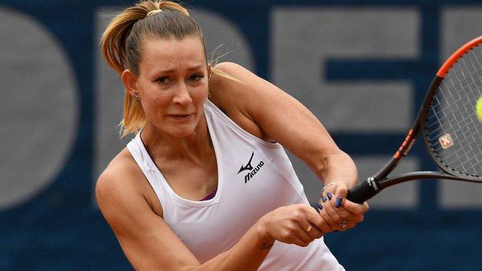 Tay vợt nữ xinh đẹp bị bắt giữ vì cáo buộc bán độ - Ảnh 2.