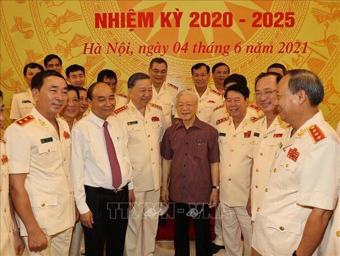 Chùm ảnh: Tổng Bí thư dự Lễ công bố Đảng ủy Công an Trung ương nhiệm kỳ mới - Ảnh 4.