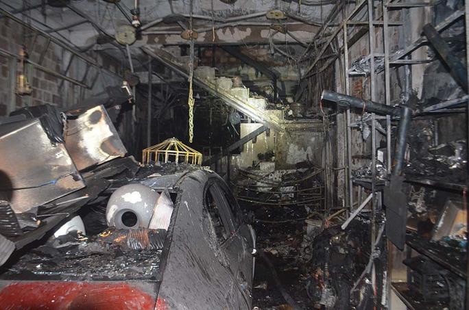 Vụ cháy nhà khiến 4 người tử vong: Những bức xúc từ hiện trường - Ảnh 3.