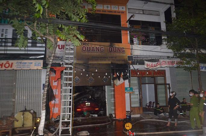 Quảng Ngãi: Cháy lớn khiến 4 người trong gia đình tử vong - Ảnh 4.