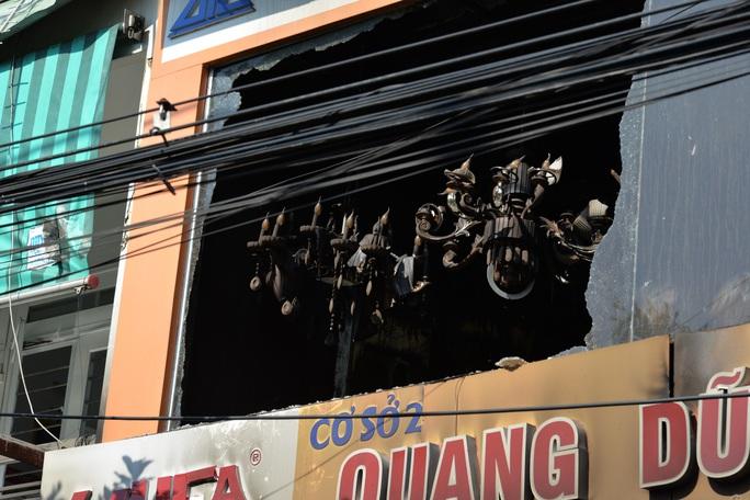 Hiện trường kinh hoàng vụ cháy nhà khiến 4 người tử vong - Ảnh 9.