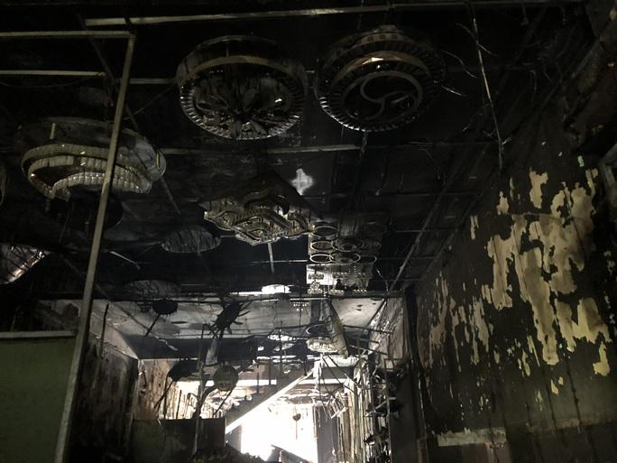 Hiện trường kinh hoàng vụ cháy nhà khiến 4 người tử vong - Ảnh 10.