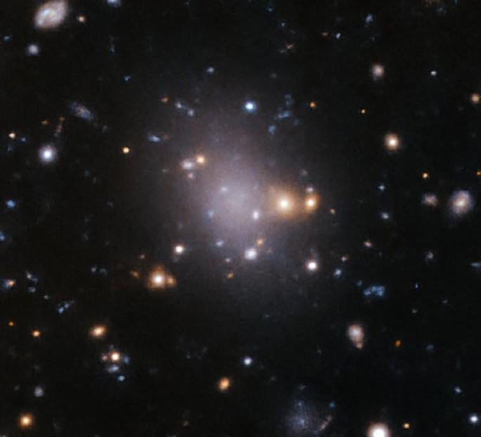 12 thiên hà ma quái là phiên bản thây ma của quái vật chứa Trái Đất - Ảnh 1.