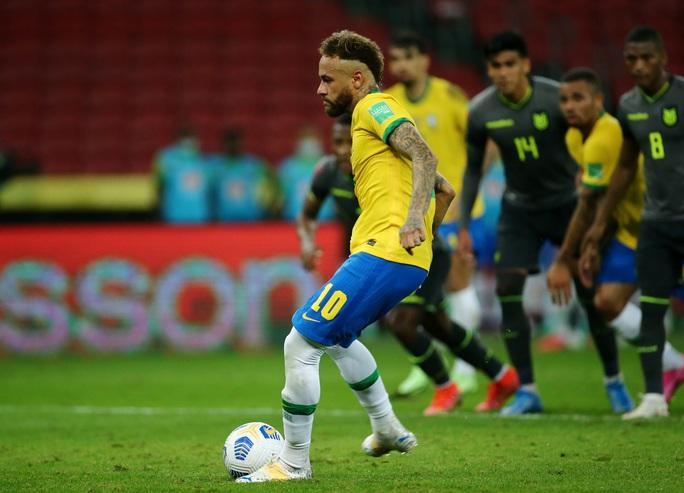 World Cup 2022: Neymar tỏa sáng, Brazil vững ngôi đầu bảng Nam Mỹ - Ảnh 5.