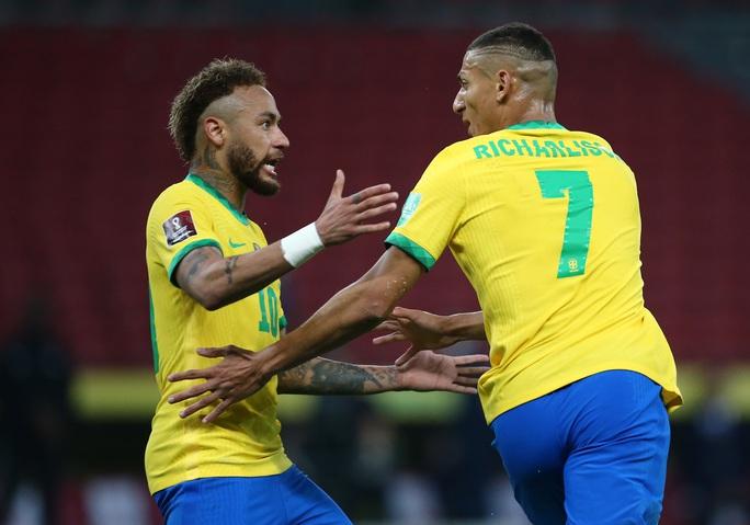 World Cup 2022: Neymar tỏa sáng, Brazil vững ngôi đầu bảng Nam Mỹ - Ảnh 4.