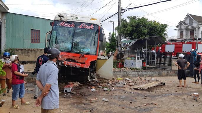 Nhân chứng kể lại giây phút kinh hoàng vụ tai nạn thảm khốc - Ảnh 7.