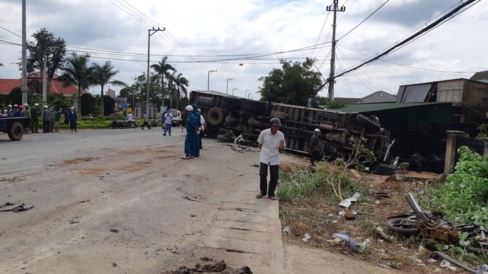Nhân chứng kể lại giây phút kinh hoàng vụ tai nạn thảm khốc - Ảnh 10.