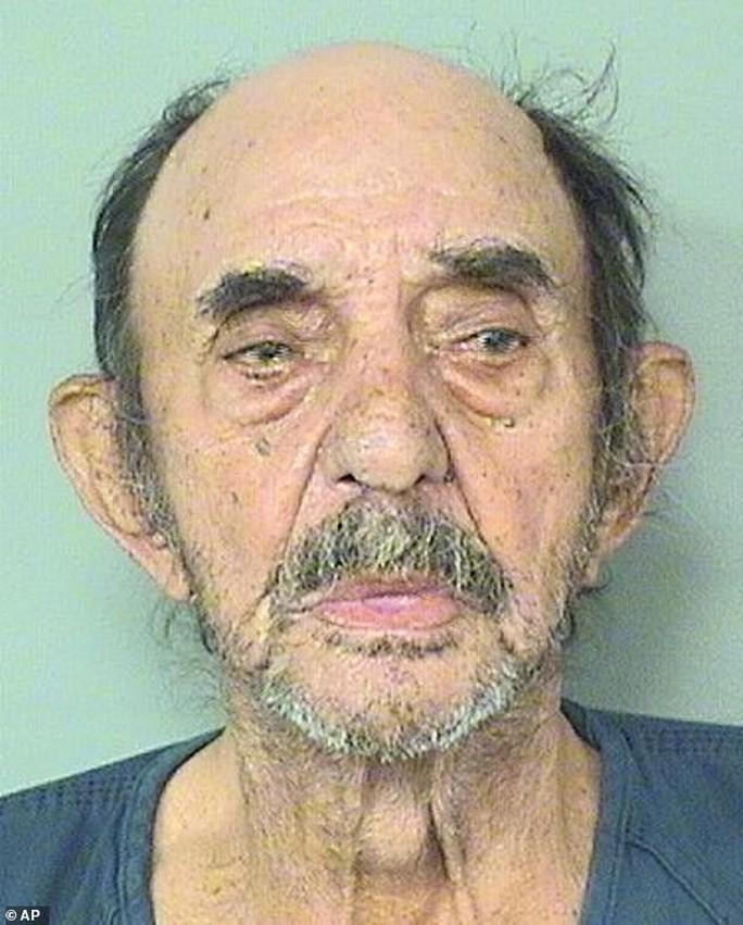 Cụ ông 86 tuổi bắn chết sếp vì bị sa thải - Ảnh 1.