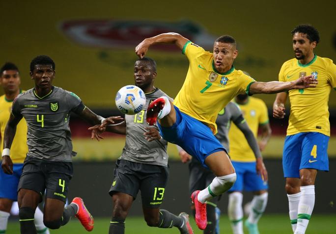 Brazil độc diễn vòng loại World Cup Nam Mỹ - Ảnh 1.