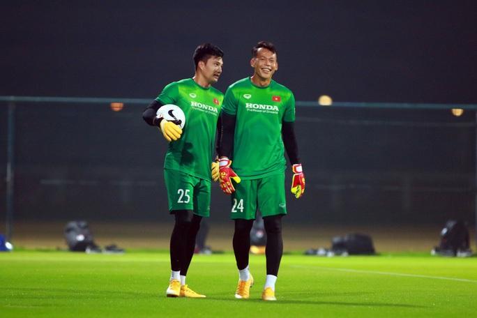 Tuyển Việt Nam đè bẹp Indonesia 4-0, vững ngôi đầu bảng G - Ảnh 16.