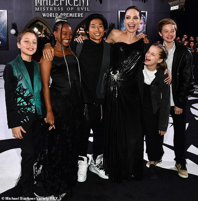 Pax Thiên du hí cùng Angelina Jolie và các anh chị em - Ảnh 6.