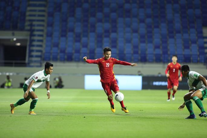 Tuyển Việt Nam đè bẹp Indonesia 4-0, vững ngôi đầu bảng G - Ảnh 12.