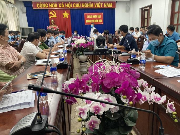 TP Biên Hòa họp khẩn vì có F1 trong khu công nghiệp Amata - Ảnh 1.