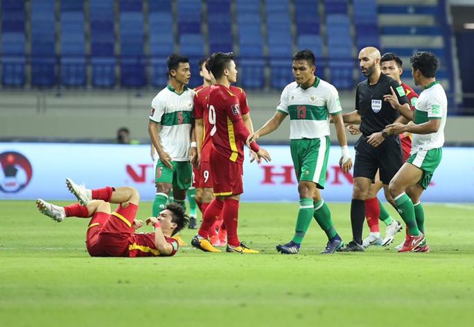 HLV Indonesia đổ thừa trọng tài sau trận thua thảm bại tuyển Việt Nam - Ảnh 2.