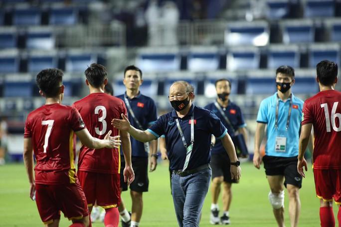 Tuyển Việt Nam đè bẹp Indonesia 4-0, vững ngôi đầu bảng G - Ảnh 1.